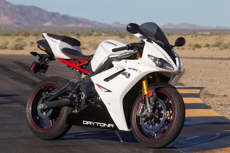 Triumph lança promoções especiais para cinco modelos de motocicletas