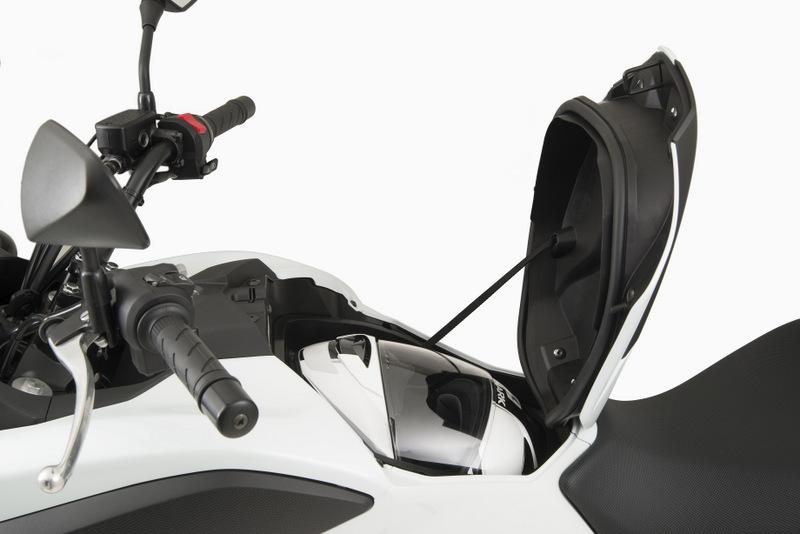 DIVULGA - Honda NC 750X branca detalhe3