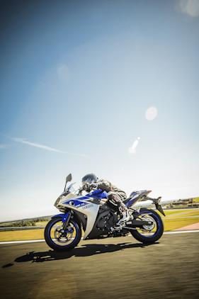 acelerada_Yamaha YZF-R3-v-004