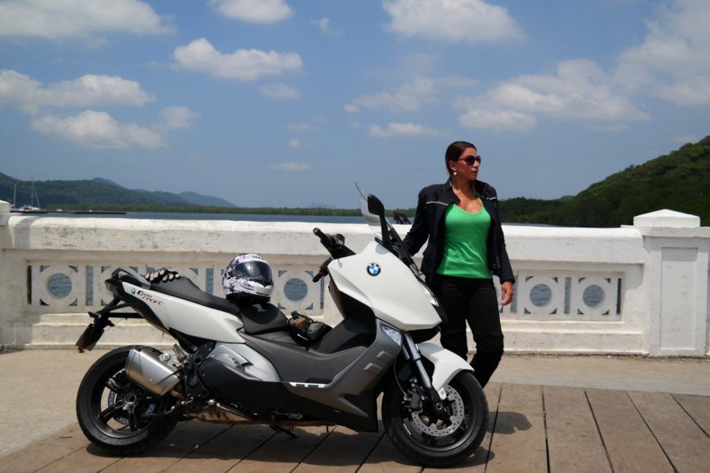 mulher_motociclista