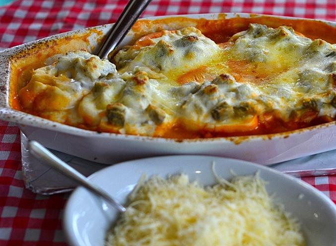 um-dos-pratos-mais-pedidos-da-cantina-tia-lina-e-o-rondelli-quatro-queijos-com-pedacos-de-alcachofra-alcachofra-e-item-comum-nos-restaurantes-de-sao-roque-1414696153765_810x500