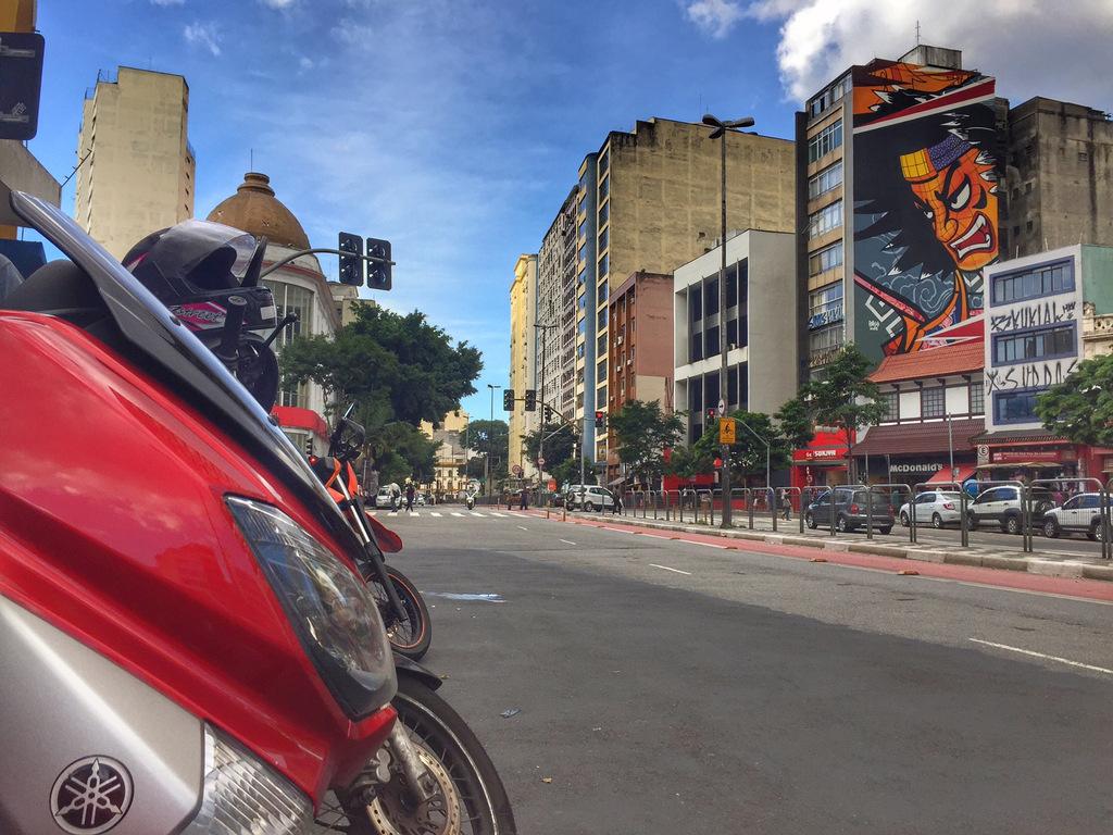 Muitos estacionamentos para motos na Liberdade