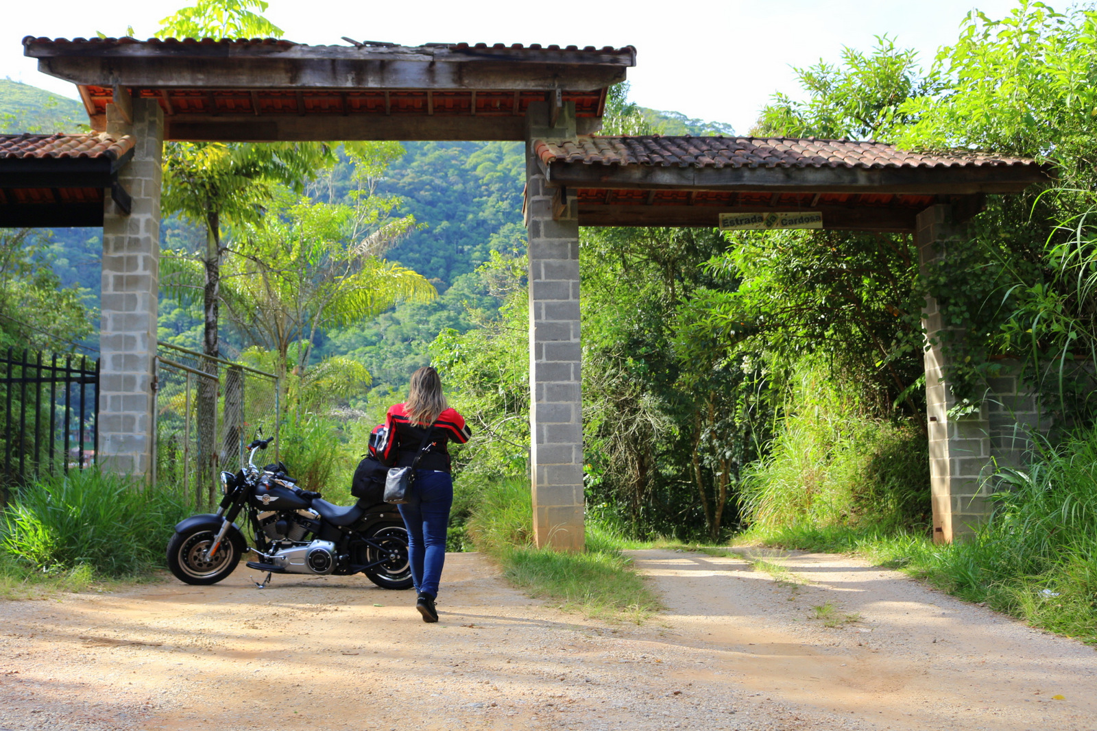 mulheres de moto