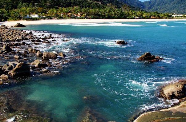 praia-de-maresias-640x426