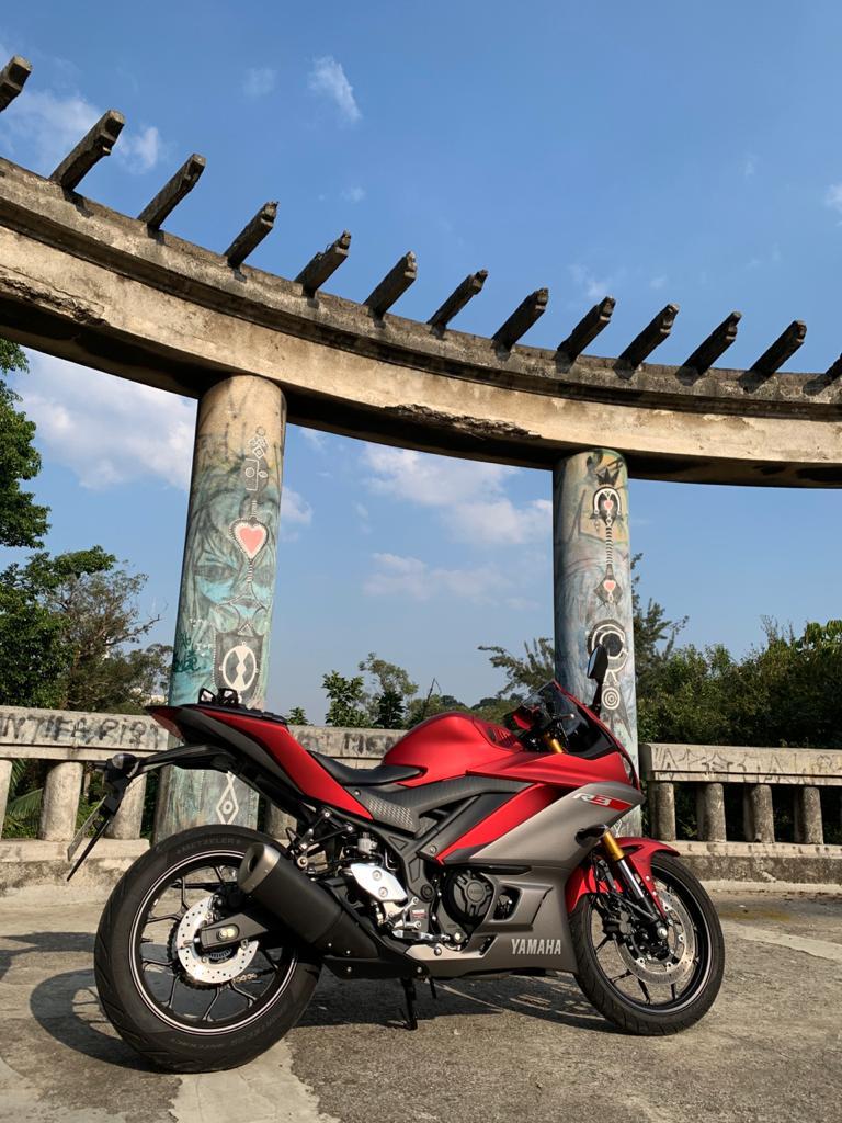 Moto de Test Ride , por  YAMAHA FELTRIN